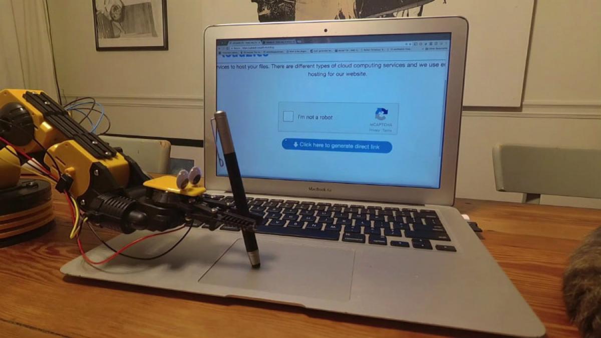 """Por qué los bots no saben marcar la casilla """"no soy un robot"""" de los captcha de Google"""